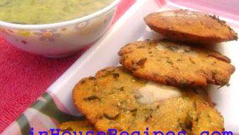 Serve makki methi ki poori with butter