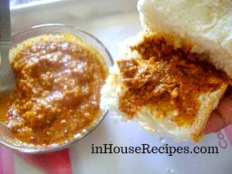 Spread Chili Sauce on Pav