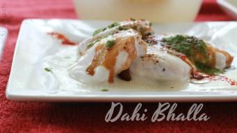 Irresistible Amchoor chutney dripping on Dahi Bhalla
