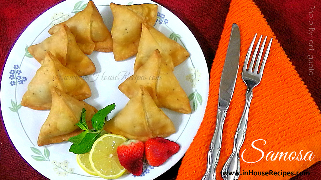 Fried aloo samosa has about 300 calories