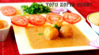 Tofu kofta curry – serving with salad